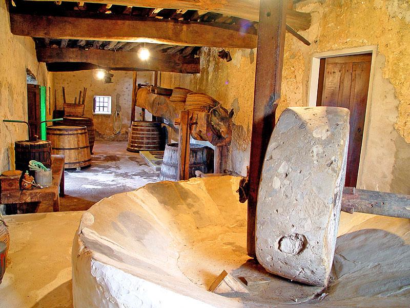 Antigua almazara tradicional de Ibiza